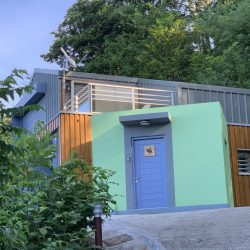 Entrée du Coq Noir, villa des Cabanes Perchées à Bouillante